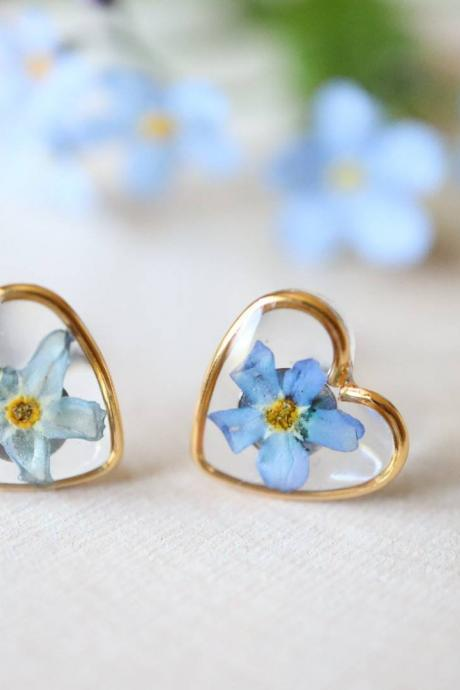 Blue Forget Me Not Studs-Heart / Pressed Flower Earrings / Resin Jewelry
