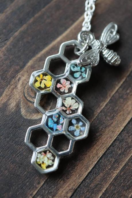 Honeycomb Wildflower Necklace / Cute Nature Jewelry / 925 Sterling Silver Chain / Handmade Botanical Jewelry