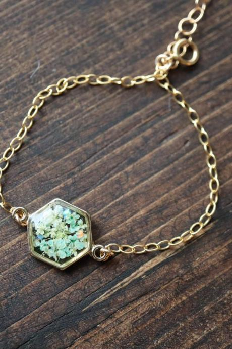 Light Green Queen Anne's Lace Bracelet / Preserved Flower Jewelry / 14k Gold Filled Bracelet