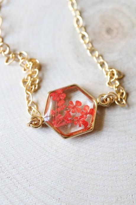 Red Queen Anne's Lace Bracelet / Preserved Flower Jewelry / 14k Gold Filled Chain / Resin Jewelry