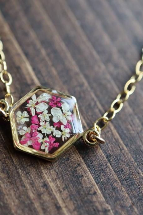 Queen Anne's Lace Bracelet / Preserved Flower Jewelry / Gold Filled Bracelet / Resin Jewelry