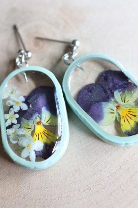 Real Pansy Earrings / Lovely Gifts For Her / Handmade Resin Jewelry / Botanical Jewelry