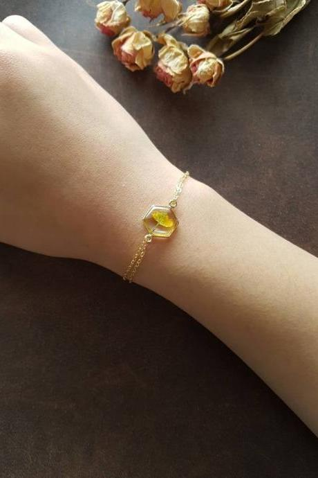 Clover Flower Bracelet / Preserved Flower Jewelry / Gold Filled Bracelet / Resin Jewelry
