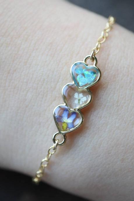 Floral Heart Bracelet / Preserved Flower Jewelry / Gold Filled Bracelet / Resin Jewelry